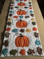 1008 Marchetta McComas pumpkin quilt