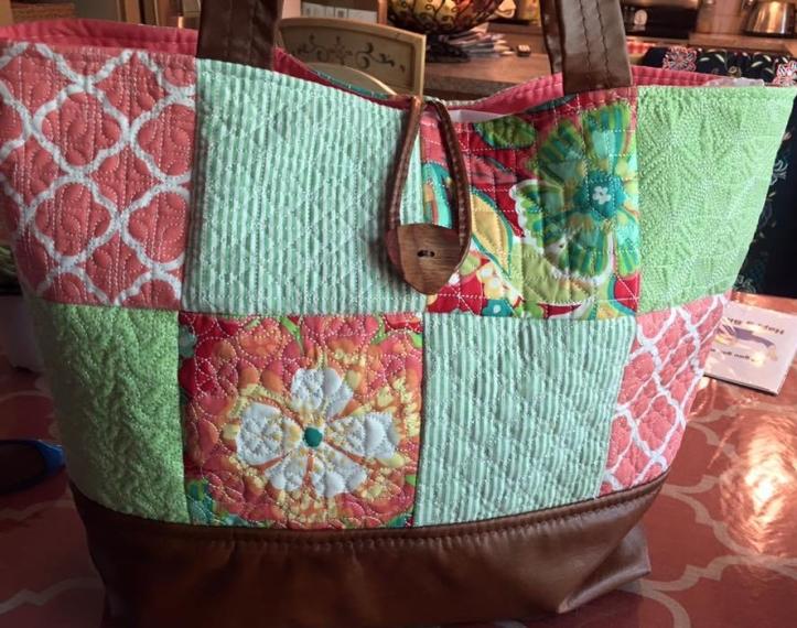 geometric tote bag amchine embroidery design in the hoop