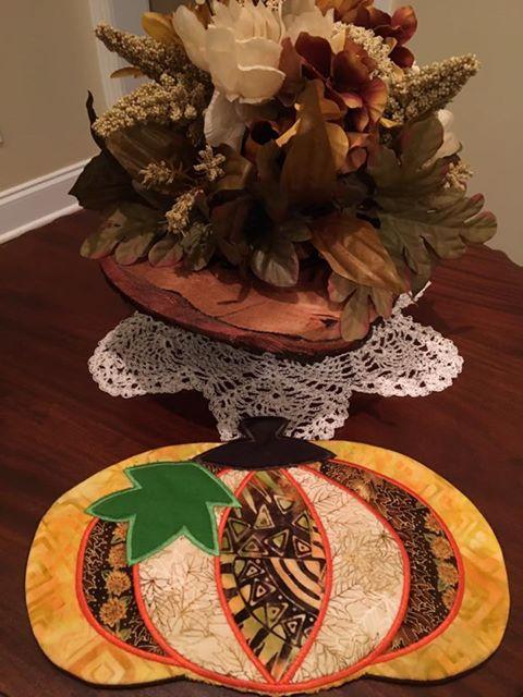 machine embroidery design pumpkin mugrug thanksgiving