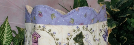 Scallop edge, bag made in the hoop using machine embroidery
